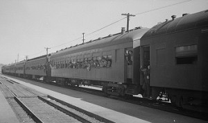 Mexican_agricultural_laborers_arriving_by_train_to_help_in_the_harvesting_of_beets_